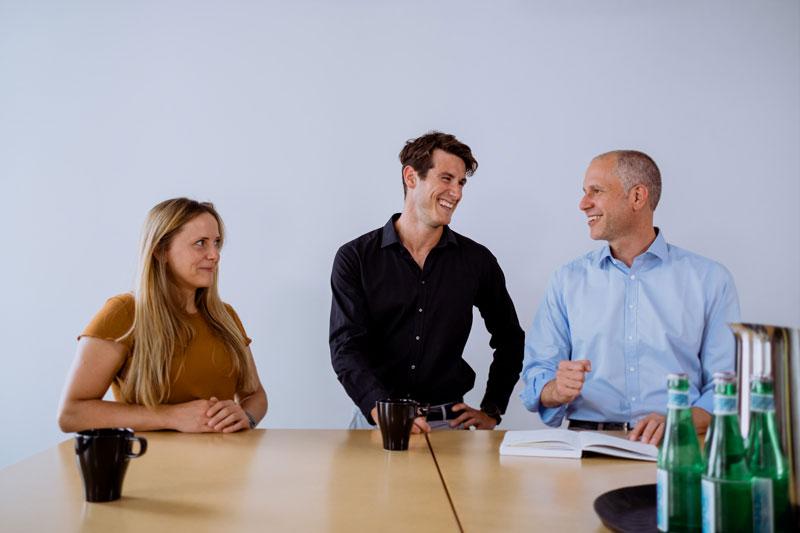 Pia, Phillip und Simon im Projektgespräch
